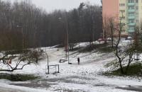 Śniegu mało, ale to nie przeszkoda w zabawie