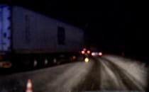 Ciężarówka po wypadku blokuje ruch na...