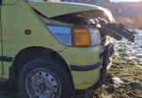 Zdewastowane auto przy 100czni