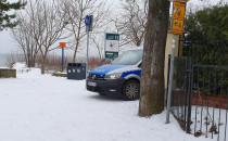 Policja w Sopocie nad morzem, przy plaży
