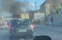 Płonące auto w Rumi Janowie na trasie do Gdyni