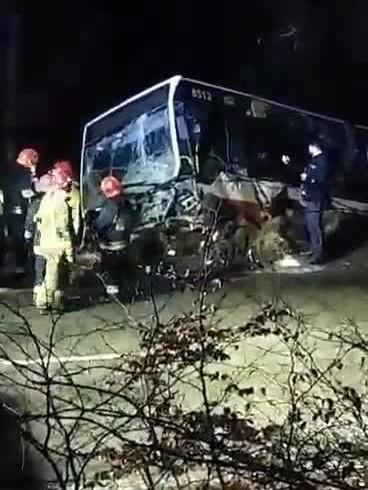 Wyciąganie autobusu po wypadku