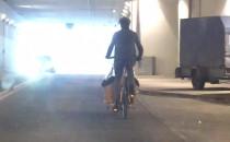 Przejażdżka rowerowa z dzieckiem. Tunel...