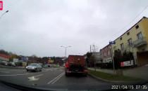 Niebezpieczny manewr na Bosmańskiej w Gdyni