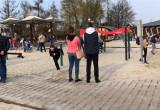 Tłumy na bulwarze w Gdyni. Słoneczna niedziela