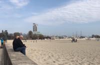 Świetna pogoda na spacer. Plaża w Gdyni