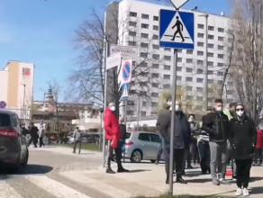 Kolejka po szczepienie w Gdyni.