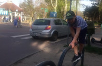 Autem po ścieżce rowerowej
