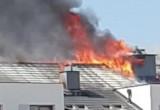 Pali się poddasze budynku