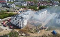 Trwa dogaszanie budynku na Niepołomickiej