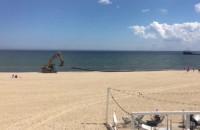 Demontaż rur na plaży w Sopocie