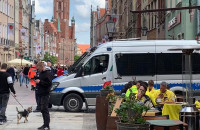 Sporo policjantów na ulicach pilnuje