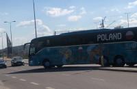 Reprezentacja Polski wjeżdża na stadion