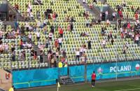 Piłki dla kibiców od reprezentantów Polski