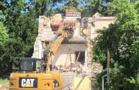 Znika budynek lecznicy dla zwierząt przy SKM Kamienny Potok