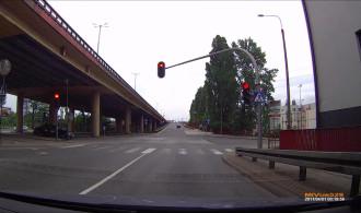 kierowca z licencją  nie odróżnia kolorów