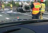 Skutki pożaru auta na estakadzie