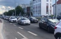 Skutki potrącenia pieszego na skrzyżowaniu Grunwaldzkiej i Chopina