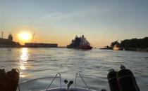 Wyjście statku roro z kanału