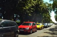 Brak miejsc na parkingu w Brzeźnie