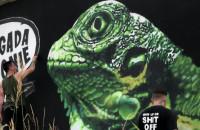 Tuse maluje nowy mural na Jasieniu