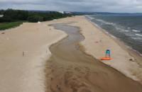 Potok Oliwski meandruje na plaży