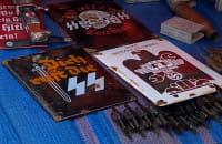 Swastyki sprzedawane na Jarmarku