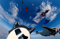 Rekord Polski: 8 spadochroniarzy leciało obok samolotu