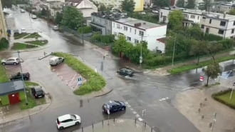 Płynie ulica Beniowskiego