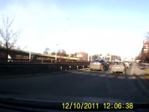 Kierowca łamie przepis na Podwalu Przedmiejskim