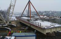 Montaż 400-tonowego wiaduktu