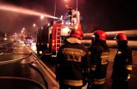 Pożar hali produkcyjnej na terenie stoczni