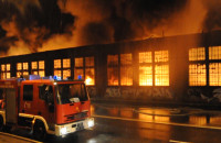 Pożar w stoczni Sunfreef Yachts w Gdańsku