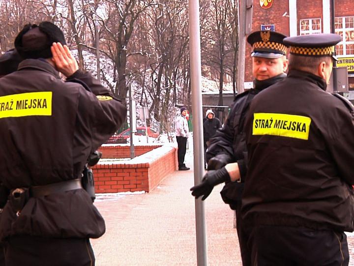 Akcja informacyjna ogodz. 14.30 nie wypaliła, było raptem kilkunastu zainteresowanych.