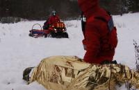 Ratownicy trenowali w śniegu
