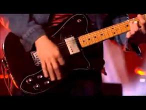 Blur - Song 2 ( Live at Brit Awards 2012)