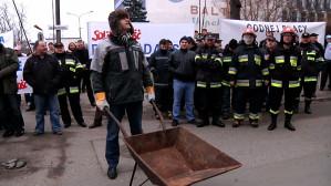 Strażacy wyszli na ulicę