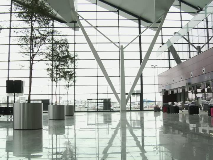Tak wygląda oddany do użytku na początku kwietnia nowy terminal pasażerski na lotnisku wRębiechowie.