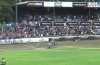 Upadek Nickiego Pedersena pdoczas GP Nowej Zelandii
