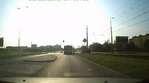 Autobus na czerwonym...