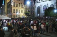 Tłum przeniósł się po meczu pod gdańską fontannę Neptuna