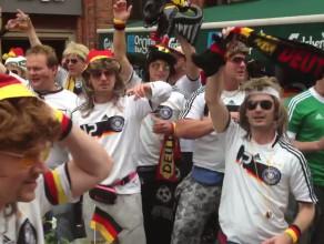 Niemcy bawią się na Głównym Mieście