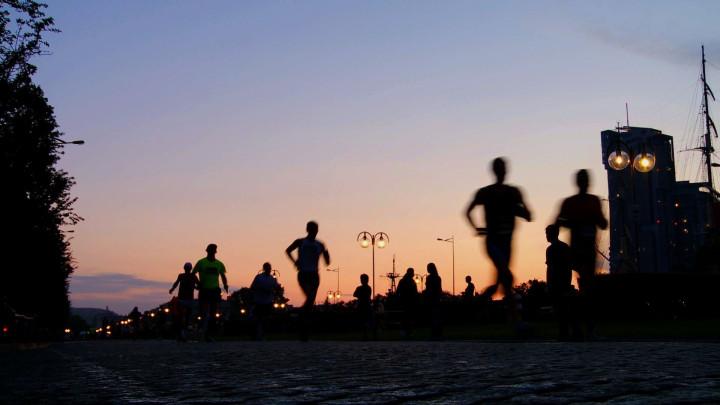 Grand Prix Biegów Ulicznych w Gdyni to cykl czterech biegów, w których biegną zarówno zawodowcy, jak i amatorzy.