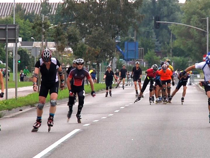Maraton wrotkarski dla amatorów oraz zaprawionych w bojach rolkarzy.