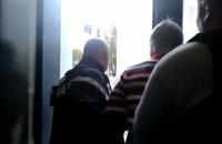 Zatrzymanie jednego z oszustów podających się za elektryków