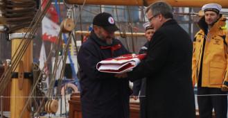 Prezydent RP przekazał banderę