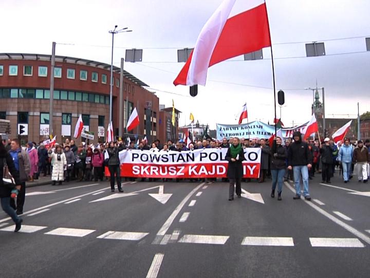 Odmowa TV Trwam przez KRRiT rozszerzenia koncesji na naziemne nadawanie cyfrowe wywołała duże protesty wcałym kraju, wtym także wTrójmieście.