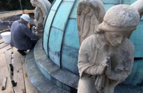 Podglądamy remont kapliczki w Sopocie