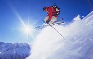 Jak się ubrać na narty, czyli moda na stoku