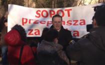 Manifestacja pod domem Donalda Tuska